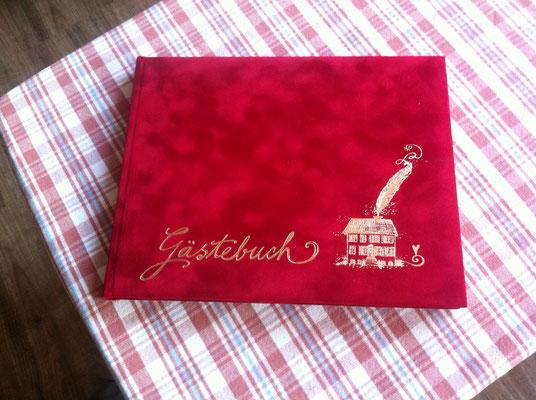 ... das Gästebuch liegt bereit!