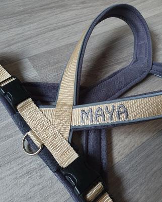 Perfect fit Geschirr beige/dunkelgrau, bestickt Maya