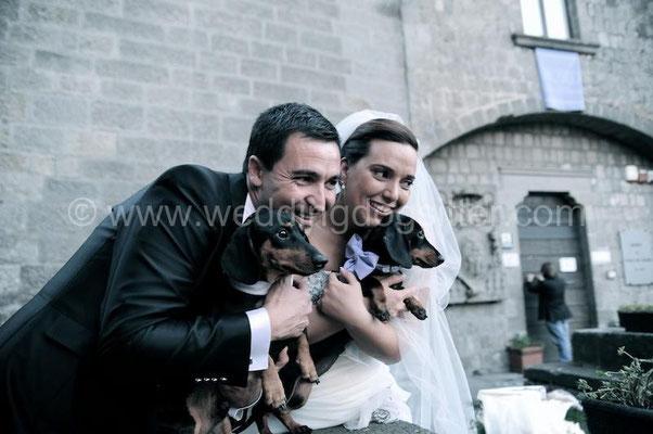 SPOSINI CON BASSOTTI WEDDING A VITERBO MATRIMONIO A I DUE CIGNI