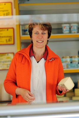 Portraitfoto Marktbeschicker  #Portrait #Fotoreportage #Freie Arbeit von Jürgen Volkmann Fotografie #Bielefelder Fotograf