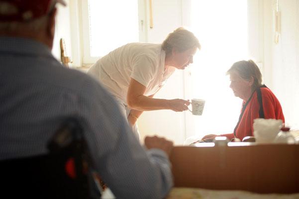 Berufsbild Altenpflegerin, Altenpfleger #Portrait #Bielefelder Fotograf #Betriebsreportage #Jürgen Volkmann Fotografie