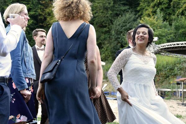 Tanzfoto auf einer Hochzeitsfeier #Hochzeitsfoto #Bielefelder Fotograf #Familienfeier