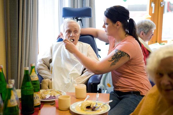 Berufsbild Altenpfleger, Altenpfegerin, Kunde: Altenzentrum Oerlinghausen #Portrait #Soziale Berufe #Betriebsreportage