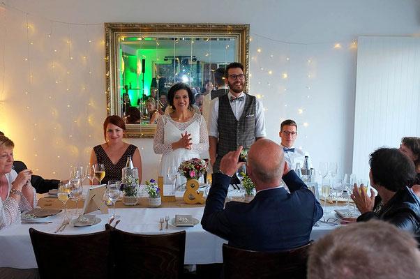 Hochzeitspaar und Verwandte #Hochzeitsfoto #Bielefelder Fotograf #Familienfoto