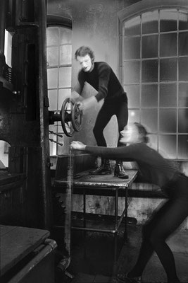 """Pantomimen, Ausstellung """"Bilder aus Kromschröder"""" #Fotokunst #Bielefelder Fotograf  # freie Fotografie #Schwarz-Weiß Fotografie"""