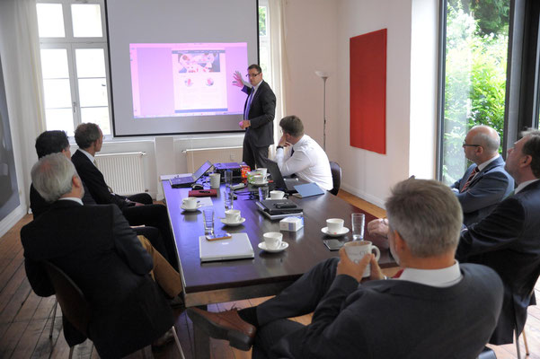 Businessfoto, Besprechung, Meeting / Kunde: Grashoff & Schumm # Meeting # Präsentation
