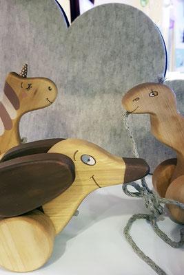 All The Fluffy Animals - Friendly Toys Einhorn, Dackel und Kamel