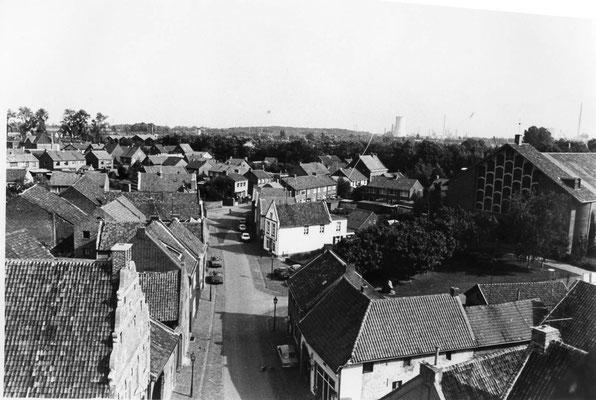 Grotestraat. Foto genomen vanaf de kerktoren.