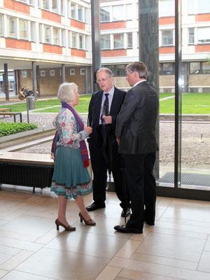Regisseurin Barbara Kemmler im Gespräch mit dem Stiftungsvorstand.