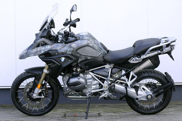 Design Folie AVIATOR IRON - Keine Aufkleber aber Carwrap-Folie fuer BMW R1200GS K25 und K50 K51 LC normal und Adventure