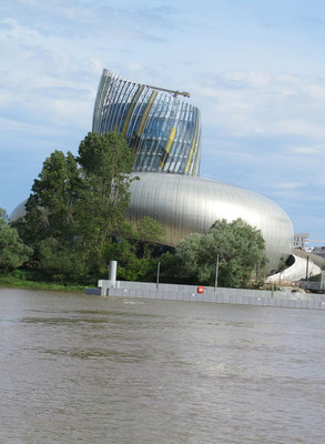 La cité du vin( photo F. Bergougnoux)