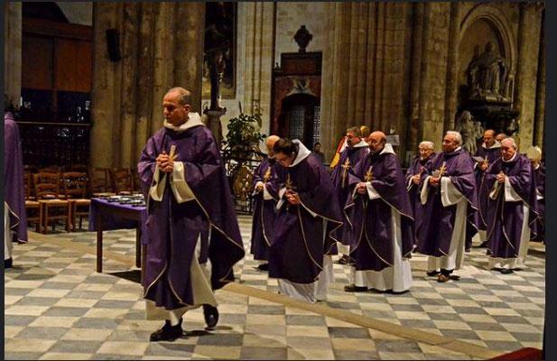 Mercredi des Cendres, la couleur violette est dédiée au temps pénitentiel( photo du Diocèse de Bordeaux)