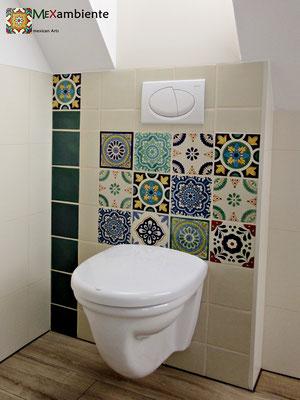 Toilette verkleidet mit Mexambiente Fliesen ca. 15x15 cm