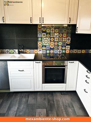 Wow! Patchwork - Ikea Küche - Bunter Fliesenspiegel mit mexikanischen Premium Fliesen 11x11 von Mexambiente