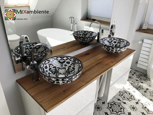 Badezimmer mit Aufsatzwaschbecken SANTIAGO in Schwarz-Weiß