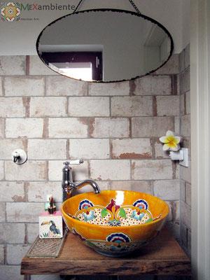 Gäste-Bad im Rustikalstil mit unserem Waschbecken PUEBLA