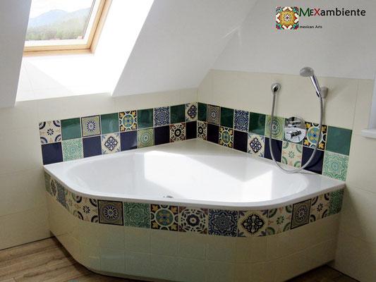 Badewanne verkleidet mit Mexambiente Fliesen ca. 15x15 cm