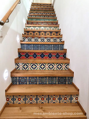 Holztreppe mit echten Fliesen aus Mexiko 15x15 cm in Premium Qualität