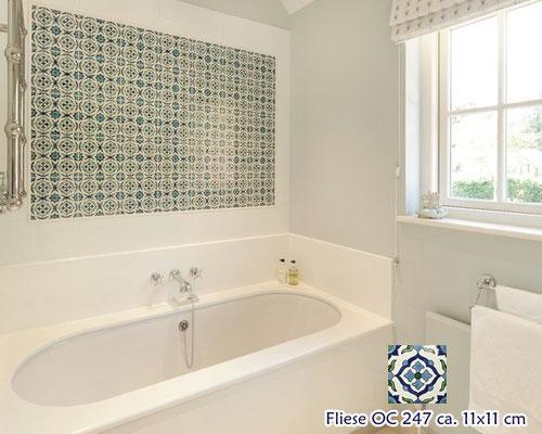 Auf der Suche nach neuen Ideen für dein Bad? Die Kombination von Mexambiente- Dekorfliesen mit grossen einfarbigen Wandfliesen schafft einen besonderen und gleichzeitig nicht überladenen Look.