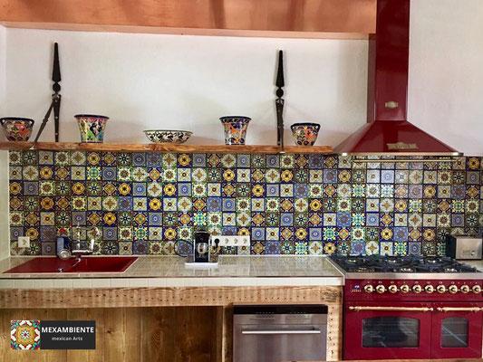 WOW-Küche in Patchwork-Stil mit unseren premium mexikanischen Fliesen in 11x11 cm