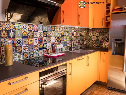 Bunter Fliesenspiegel mit 11x11 cm Fliesen für die Küche
