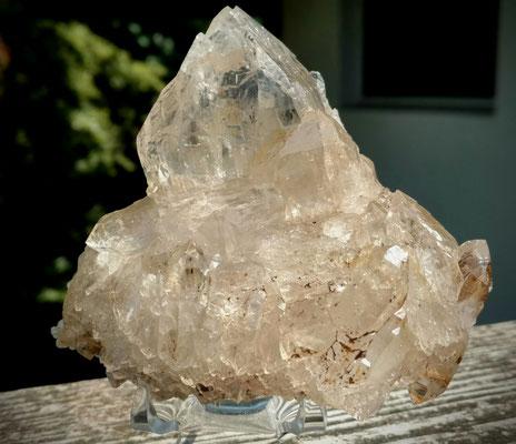 Schöner Bergkristall v in Bergform :) (Höhe ca. 9 cm)