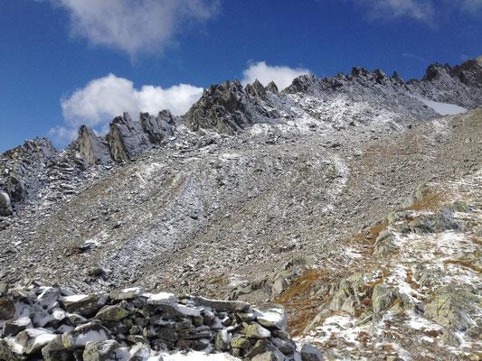 Aufstieg ins stark abgesuchte Strahlergebiet an der Fibbia, Gotthard, TI