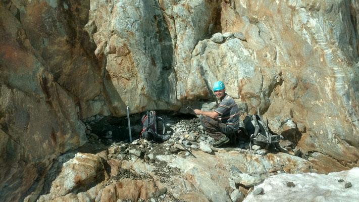 Eine grössere Kluft am Gletscherrand war leider bereits schon zum grössten Teil leer