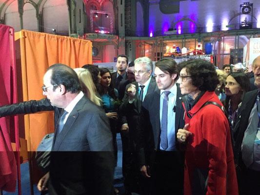 Le Président de la République, François Hollande et Véronique le Mouël, artiste