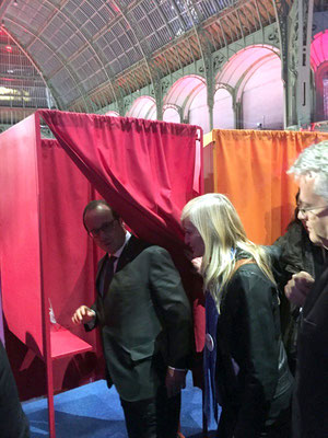 Avec Le Président de la République, François Hollande et Marie Lebouché, Présidente de l'Association Œuvre Participative