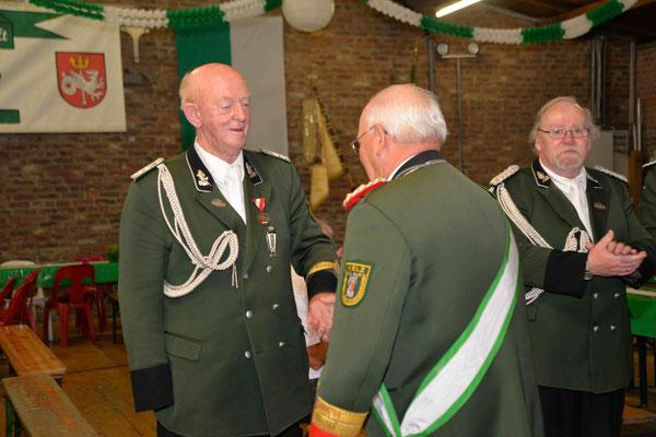 Beförderung Toni Brünker zum Major