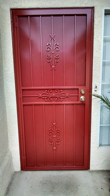 Basic Door Red