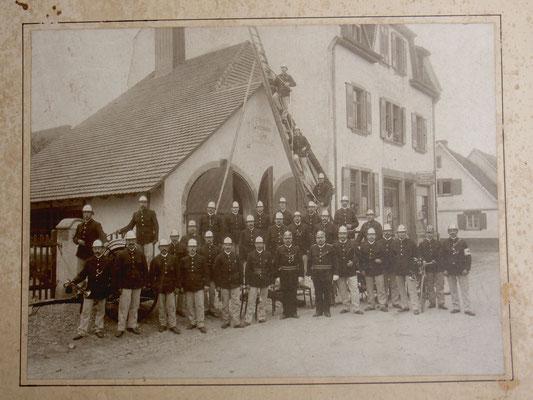 Busfahrer am Bären (um 1925)