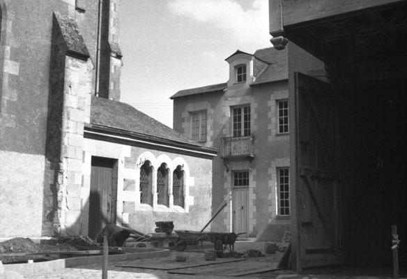 Le pavage pour accéder à la Grange des Mauges, Musée des Métiers