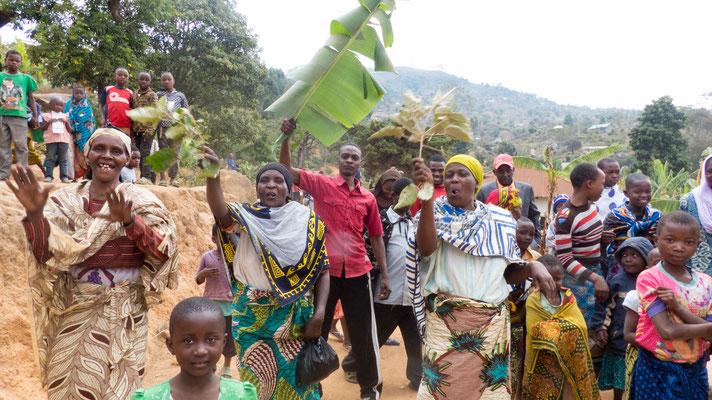 Die Begrüßung in Ngwelo