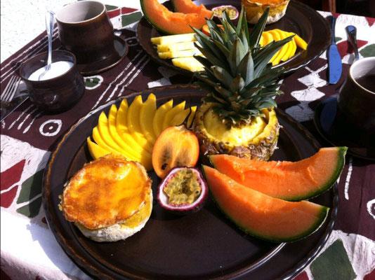 Madame croque und Früchte