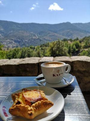 Leckere Backware und fürchterlicher Kaffee (Korsika)