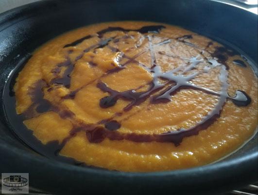 Kürbissuppe mit Karotte und Ingwer
