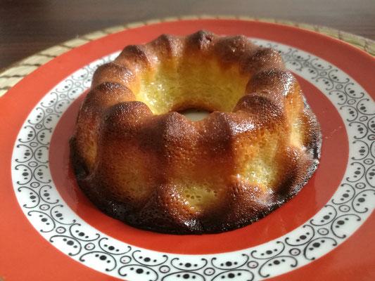 Cannelés Bordelais gebacken im Gugelhupfförmchen