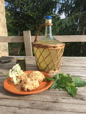 petillant d'ortie et cookies aux fleurs de sureaux