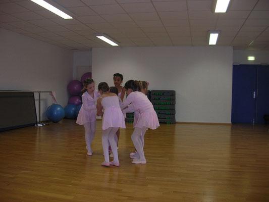 Gan Music Dance