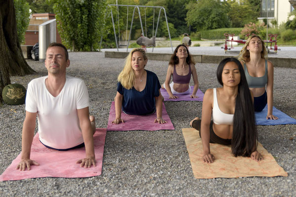 Nachhaltige Yoga Kleidung, Schweizer Marke