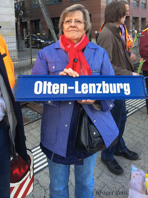 Länzborg hämmer vor ere Viertelschtond links lo legge.