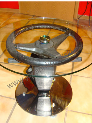Kleiner Tisch aus Lenkrad eines MINI MK II