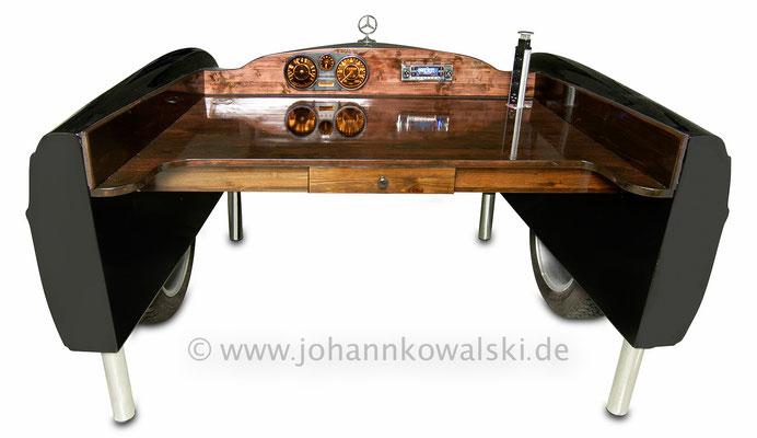 Oldtimer W108 Schreibtisch