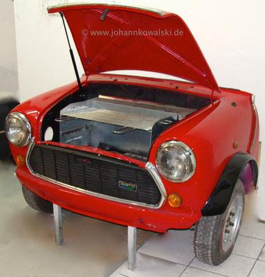 Auto-Grill aus halben MINI MK II