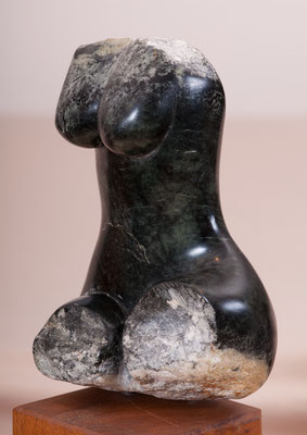 Kleiner Weiblicher Torso (2006), Steatit, ca.25cm