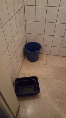 10. August -  Fließendes Wasser in der Besuchertoilette....