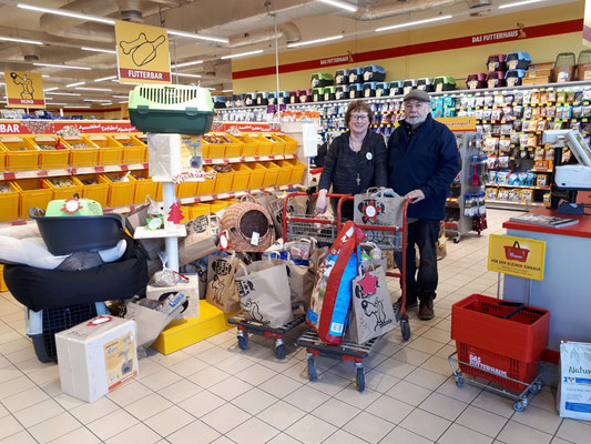Dagmar und Wolfgang im Futterhaus Kerpen-Sindorf
