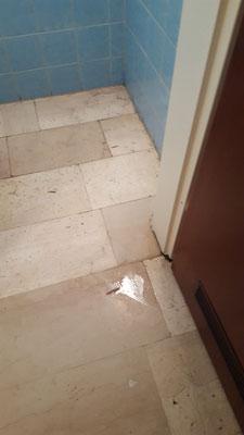 10. August - Fließendes Wasser  in der Mitarbeitertoilette!
